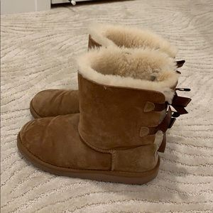 plain brown bow uggs